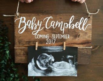 Bébé révèlent parents de panneau de bois - bébé annonce - annonce de grossesse - nouveau - à - panneau de bois - nurserie - révéler panneau de bois