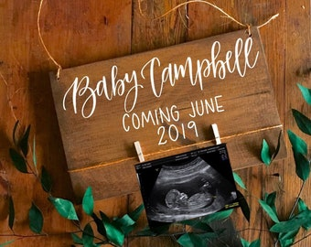 Pregnancy Announcement Idea Wood Sign Reveal, Baby Reveal, Pregnant, Baby Reveal Sign, Pregnancy Photo Prop, Baby Coming 2020, New Baby,Sign