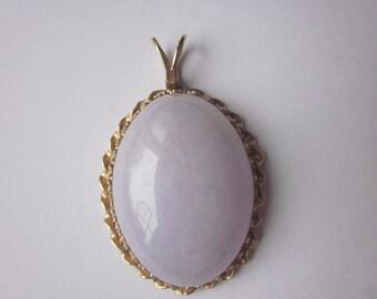 Vintage Jadeite Lavender 14 K Gold Pendant