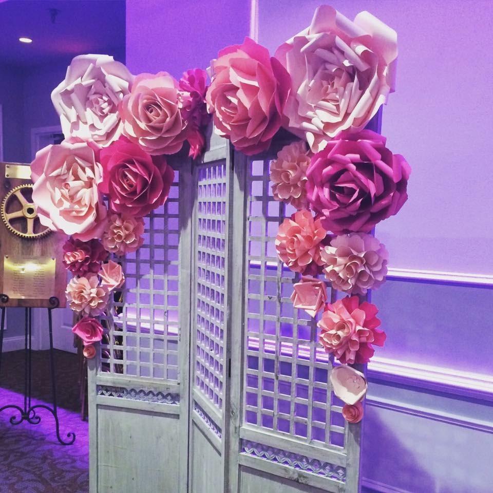 Giant Paper Flowers Wedding: Paper Flower Backdrop / Giant Paper Flowers Wall / Paper