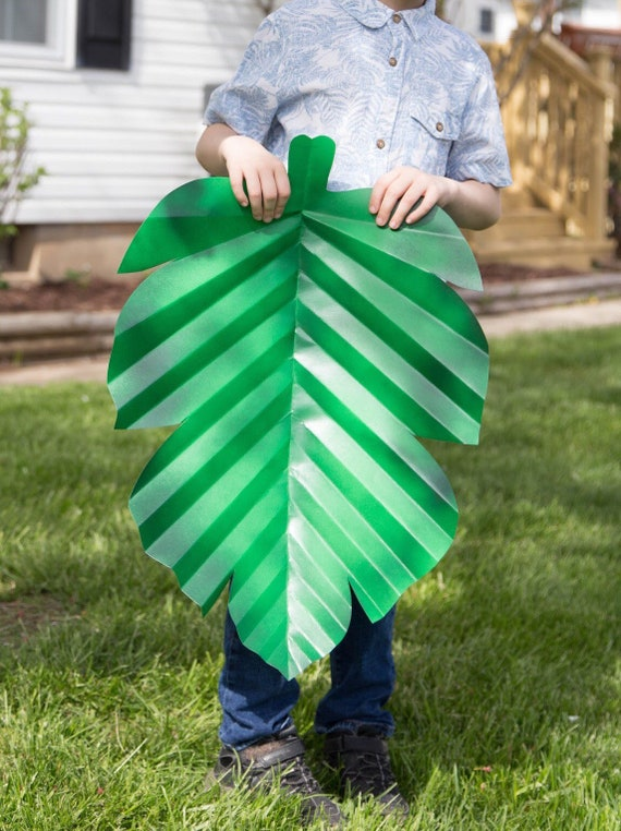 Shaded Jumbo 3D paper leaves, paper leaves, big leaves, giant or extra large leaves