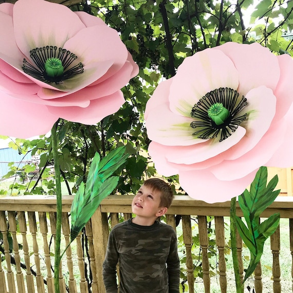 Poppie Self standing flower, large paper flower, big paper flower with stem, free standing paper flower