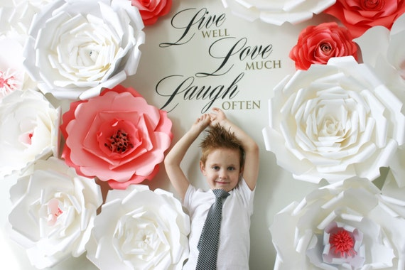 Posh paper flowers / Paper Flower Backdrop – Paper Flower Wedding Décor – Romantic Wedding Photo Booth Backdrop