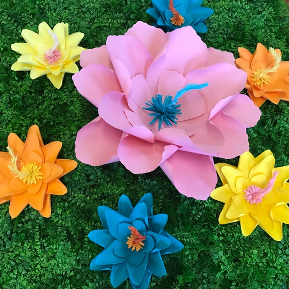 """Large paper flower, Hibiscus paper flower / Giant paper flower / tropical large paper flower / """"Hibiscus"""""""