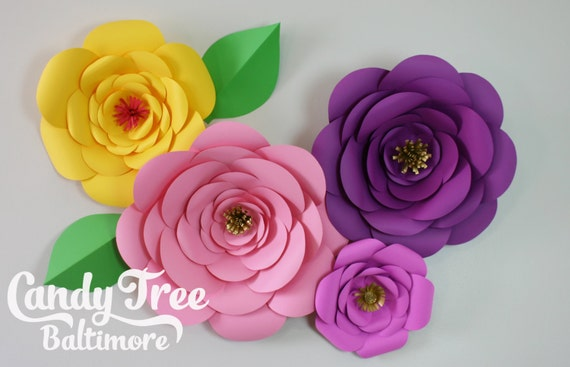 Paper flowers backdrop of 4 large paper flowers