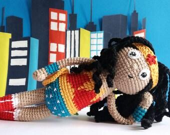 Wonder Woman amigurumi - Handmade crochet doll - Justice League.
