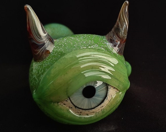 Detailed Glass Eye Pipe w/ Horns  | Color Changing  | Fast Shipping | Unique Glass Art
