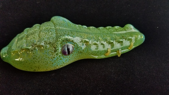 Glass Gator Head Pipe | Color Changing | Unique Glass Art | Fast Shipping