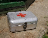 Metal FIRST AID BOX Hungarian Vintage Medical First Aid Supplies Aluminum Tin Box Military Collectible Army Medicine Box, Old and Nostalgic