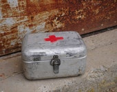 Aluminium Tin FIRST AID BOX Hungarian Vintage Medical First Aid Supplies Military Collectible Army Medicine Box, Metal, Old and Nostalgic