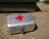 Hungarian Well used Vintage Medical First Aid FIRST AID BOX Aluminum Tin Box, Military Collectible, Army Medicine Box, Metal, Old and Nostal