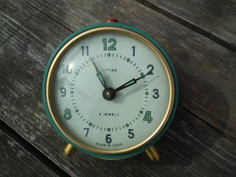 RUSSIAN Alarm Clock Retro Vityaz 4 Jewels USSR Very Old Time