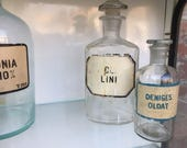 APOTHECARY Glass Clear Large BOTTLES  x 2 Tincture, Wine, Latin, HERBAL Medicine, Chemical Pharmaceutical Laboratory, Vin