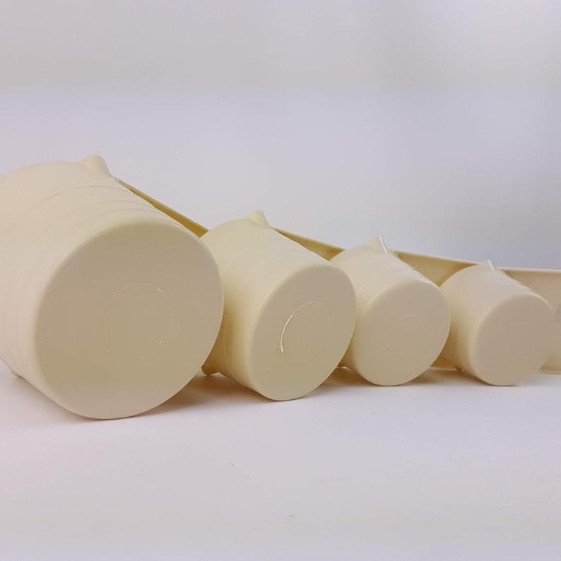 Vintage Measuring Cups Set Plastic Off White 70s 80s Decor