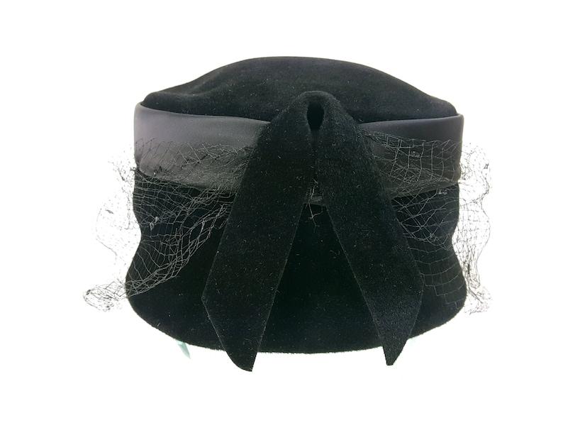Black Velvet topper Hat Veil Park Lane Vintage Formal