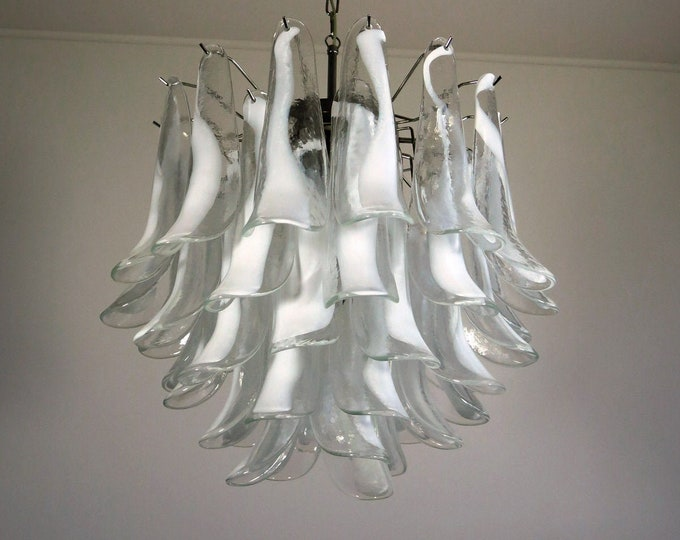 Italian vintage Murano chandelier in the manner of Mazzega - 41 glass petals