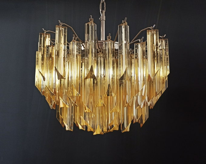 Gorgeous Murano vintage chandelier – 107 clear amber triedri