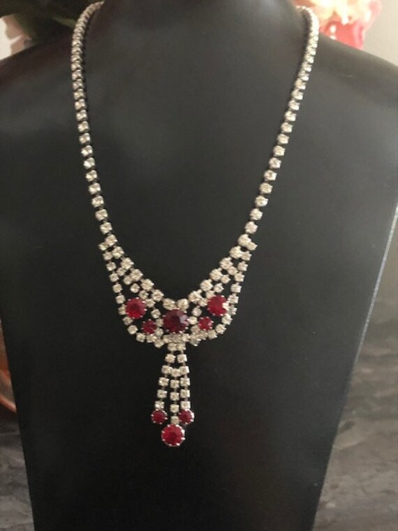 Bright Ruby Red Glass Rhinestone Diamante Paste Ne