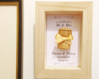 Personalized wedding gift: showcase souvenir for the first wedding Champagne Cork