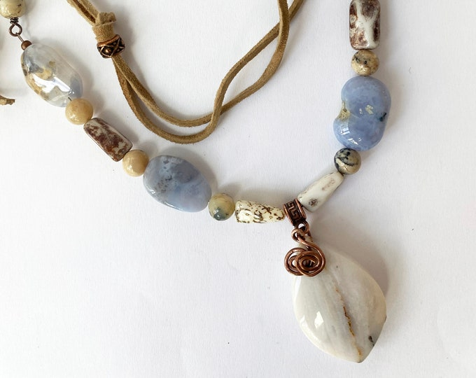 Chalcedony Pendant Necklace with Leather