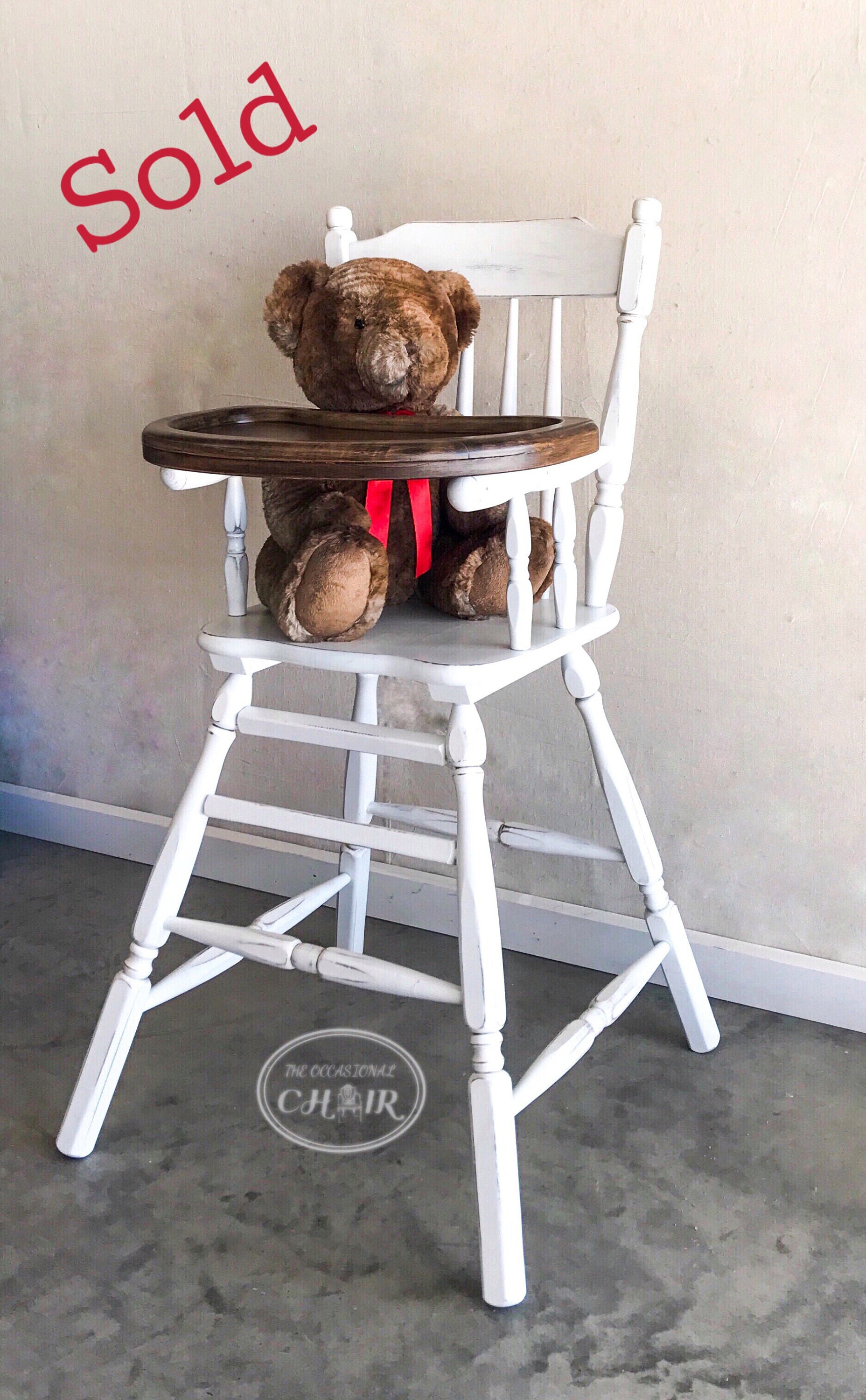 772748e087763 SOLD - Vintage 1950s Farmhouse Style Wooden Highchair