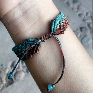Fits Up to 7-12 Inch Vintage NOS Multi-Color Shell Seed Bead Hand Macrame Carpet Bracelet