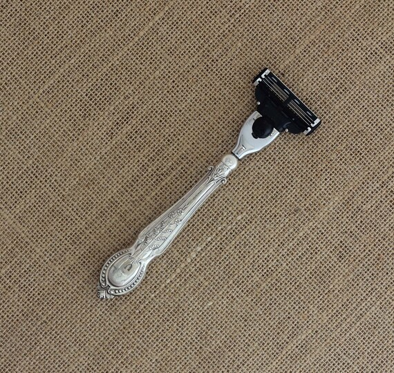 Lily Pattern Up-cycled Sterling Silver Handled Gillette Mach 3 Razor Sheffield 1930