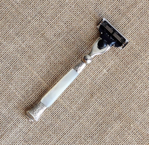 Victorian Caped Mother of Pearl Handled Gillette Mach 3 Razor