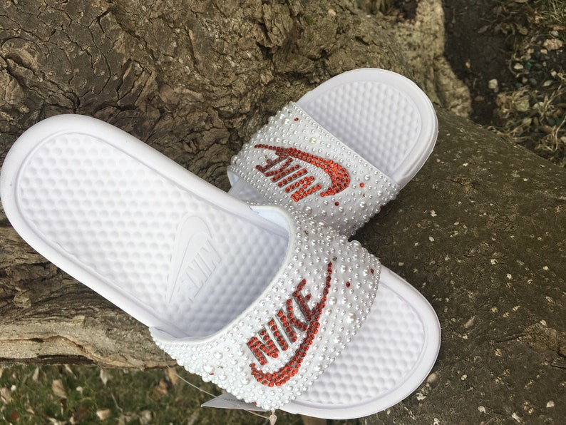 48cbef99e01 White   Red Nike Slides