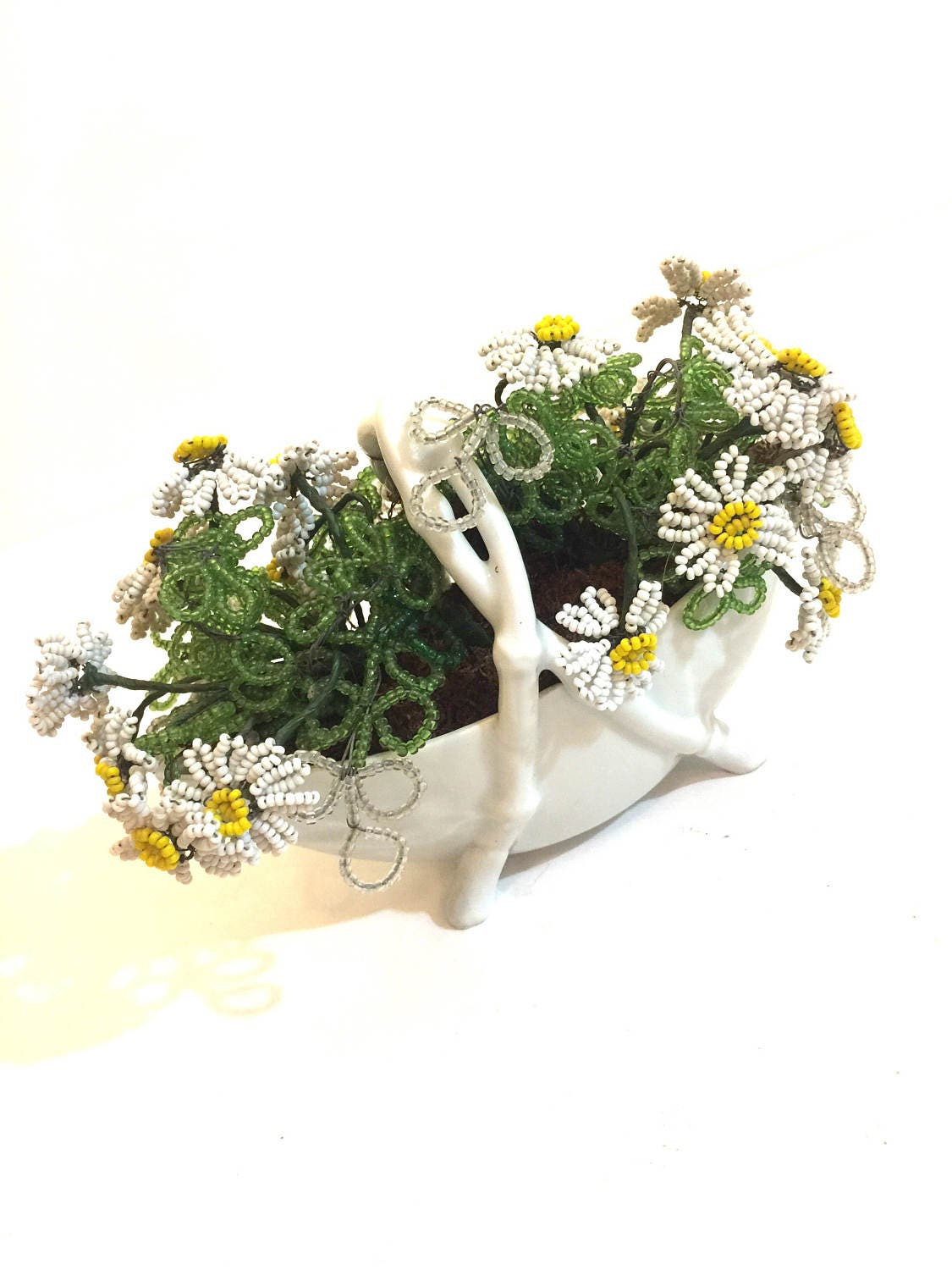 Vintage beaded limoges france daisy flower basket beaded flowers vintage beaded limoges france daisy flower basket beaded flowers daisies glass basket collectible izmirmasajfo