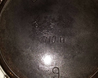 Vintage 1865-1909 pre Griswold Erie Cast Iron #9 Skillet. Also marked 710-H. Electrolysis Cleaned. Collectible. Display Piece.Has a Hairline