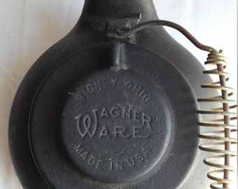 "Vintage 1960s Made in the U.S.A. Wagner Ware 9"" Kettle.  Very nice condition for the age and the handle is intact."