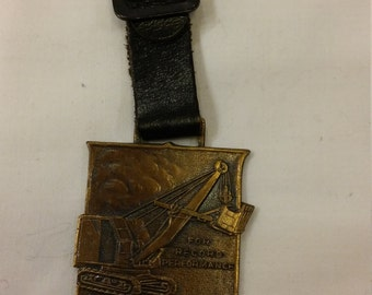 Vintage Bay City Shovels Advertising Watch FOB Bay City, Michigan for Record Performance