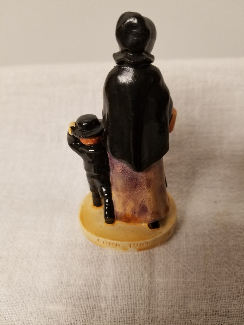 Sebastian Figurine of Amish Folk Free Shipping USA Copr 1947 Baston Great GiftCollectible P.W Excellent Cond Awesome Detail