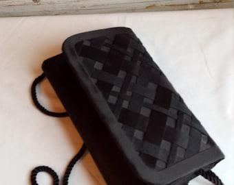 Vintage Whiting and Davis International Quilted Over-the-Shoulder Bag