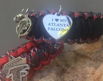Atlanta Falcons Paracord Bracelet, added charm choices