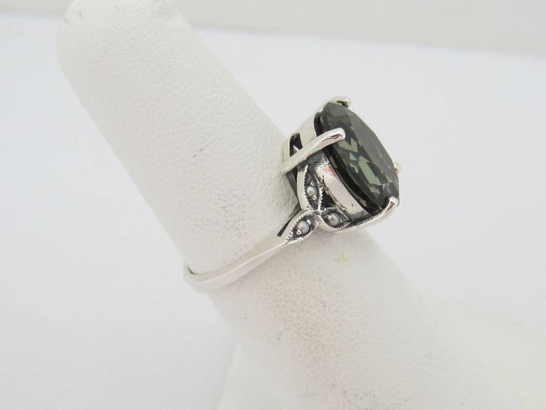 Vintage Sterling Silver Green Tourmaline /& Seed Pearl Ring Size 5