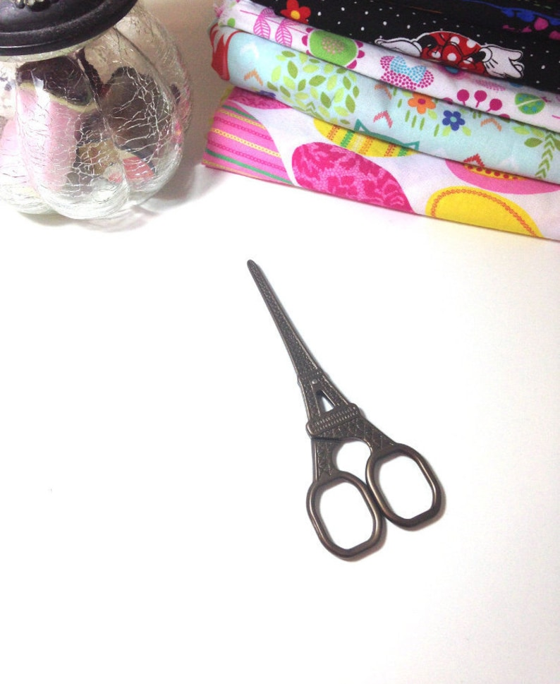 Cross Stich Eiffel Tower Scissor Antique Design Embroidery /& Sewing Scissors Thread Scissor Eiffel Tower Vintage Scissor