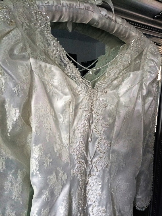 Wedding Dress  Vintage Wedding Dress  Beaded Weddi