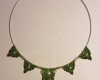 Macrame green waxed cotton necklace