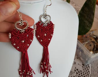 Earrings red beads and macramé weaving