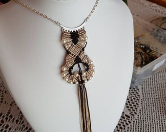 Necklace macrame Brown and ivory silk thread