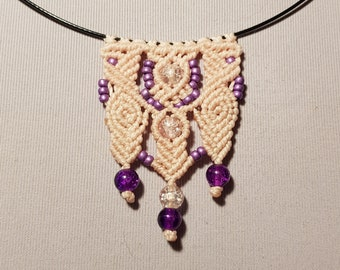 Pale pink macrame waxed cotton necklace