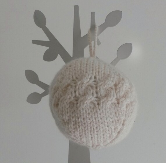 Aran knit bauble! Knit Christmas bauble decoration, original design. Made in Ireland. Xmas tree decoration. Christmas decoration. Xmas gift.