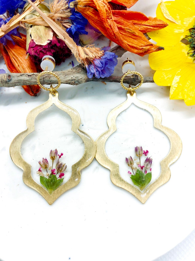 Ethnic accessories Jewelry resin dried flowers pressed crystals Dangling earrings brass gold pendant real flowers rose resin leaves
