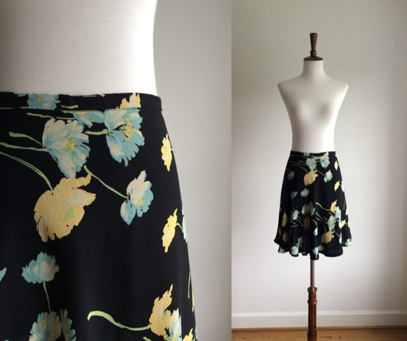 2b03219c2 90s floral flouncy mini skirt | Etsy