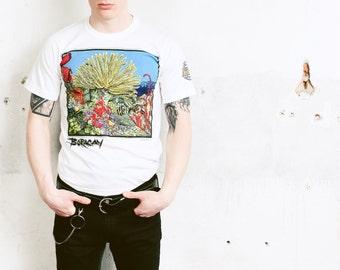66447019c51678 White Aquarium Print T-Shirt . Vintage Mens 90s Novelty T-Shirt Graphic  Print Tee Shirt Urban T-Shirt Printed Hipster Top . size Small S