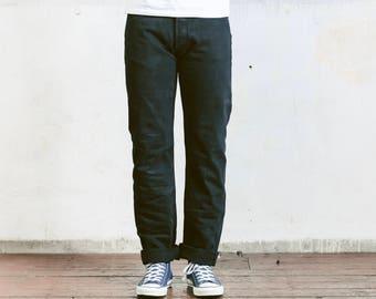 Vintage Levis 501 Jeans . 90s Black Jeans Mens Denim Pants Straight Leg Oldschool Pants 90s Jeans Minimalist Jeans . size W33