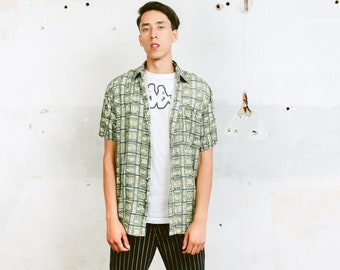 Green Vintage Shirt . Abstract Print 90s Mens Shirt Green Summer Top Mens Shirt Hipster 80s Skater Shirt . size Medium M