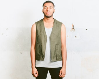 Vintage Hunting Vest . Khaki Green Men's Sleeveless Jacket 80s Clothing Fisherman Style Duck Vest Retro Waistcoat . size Medium to Large